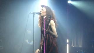"""Melissa Auf der Maur - """"Lightning is my girl"""" live (HD)"""
