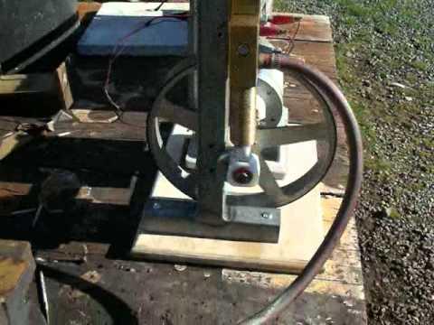 Compressed air engine powers my radio.avi