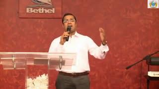 Yeshu Valiyavan Albhuthangal Cheyunavan - Christian Devotional Song