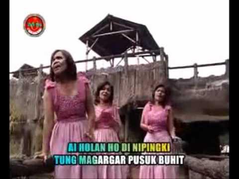 Nainggolan Sisters ~ HITA NA DUA GABE SADA. with Lyrics