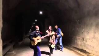 小笠原父島の清瀬トンネル。リバーブが気持ちよかった。ヤンキータウン...