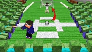 FUTBOL SAHASINI ZOMBİLER BASTI ! - Minecraft