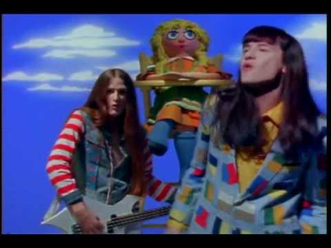 "Redd Kross - ""Annie's Gone"" courtesy of Rocky Schenck"