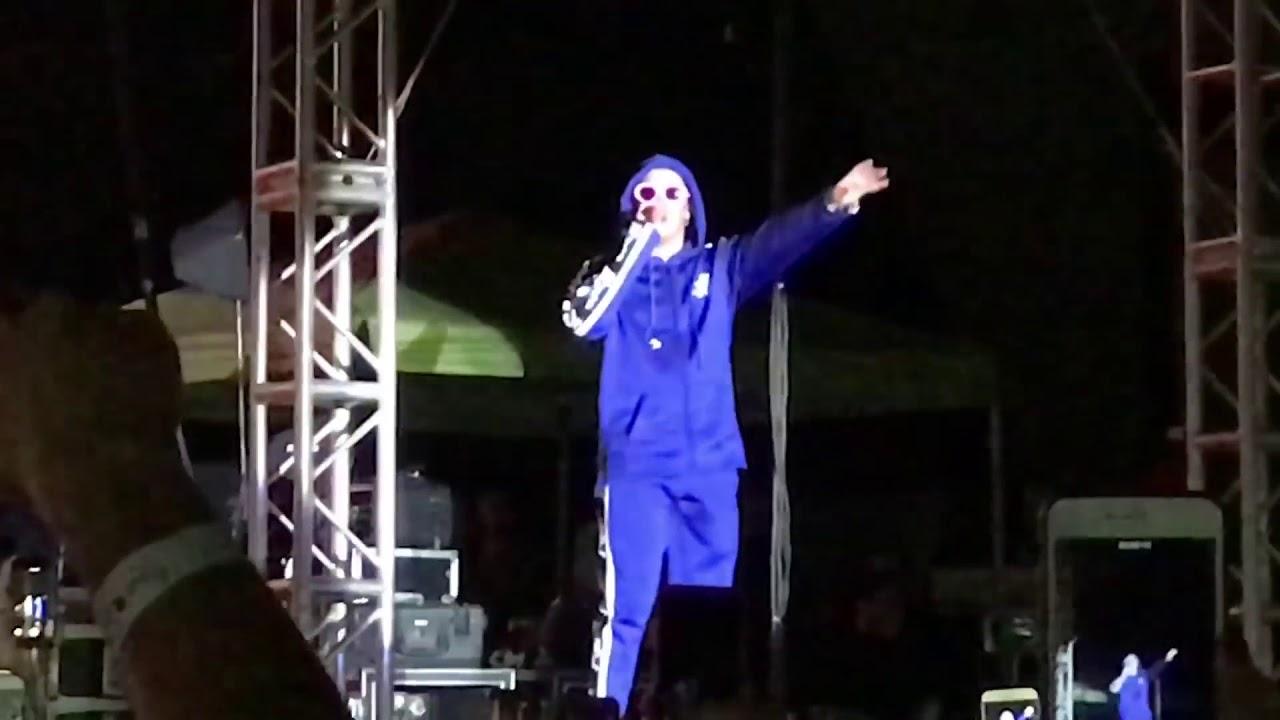 Amorfoda - Bad Bunny ( en vivo, Tijuana B.C.)