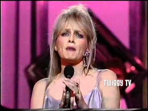 TWIGGY - FEEL EMOTION (1985) live TV performance
