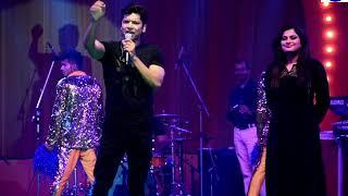 Singer Shaan Sings 'Ladki Kyon Na Jane Kyon' Song at Shilpotsav 2018 at Noida Stadium