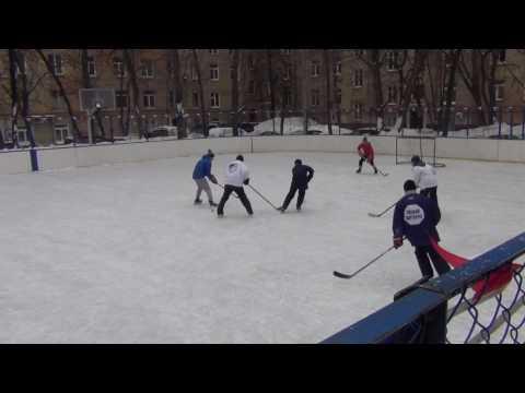 Играем в хоккей на Ленинском 72