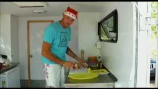Christmas Lunch - Pork, Turkey, Ham and Chicken - Travel Cooking 03