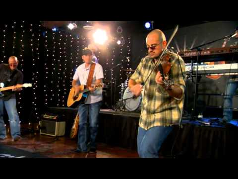 Casey Donahew Band talks with the Texas Music Scene about recording and touring