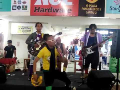 HANCUR BAND [ HCR ] - Pengen jadi artis, ( plaza Pondok Gede, story Of Love)