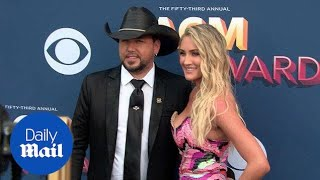 Jason Aldean & Brittany Kerr on the 2018 ACM Awards red carpet - Daily Mail