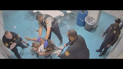 Cuyahoga County jail officers torture Chantelle Glass with pepper spray—and let her suffer