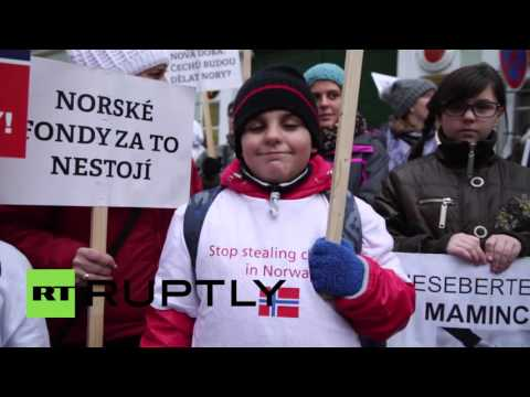 Czech Republic: Protesters rally in Prague against Norwegian child welfare service