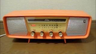 東芝の真空管ラジオ かなりやYS 5ZL-541 です。 昭和36年の発売、サイ...