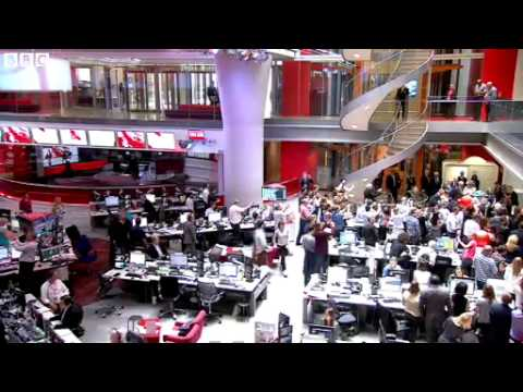 Queen tours BBC's new Broadcasting House.