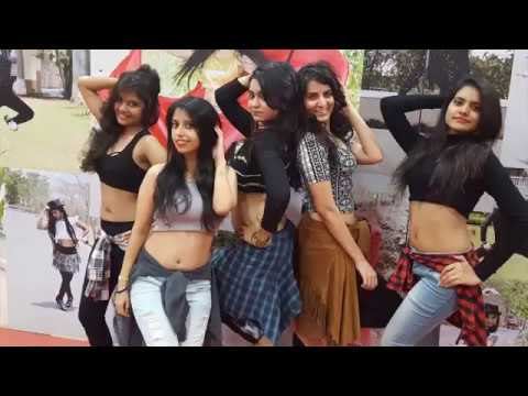 Hindi pic picture video gana chahiye mp3 mainstage