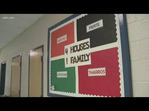 Harriman Middle School students leave positive notes for each other