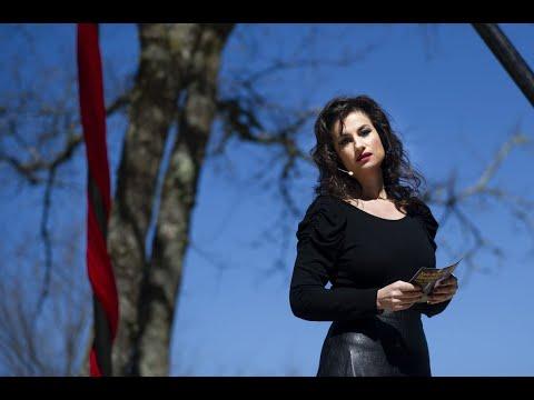 Xela Arias pervive na Insua dos Poetas de Carballiño