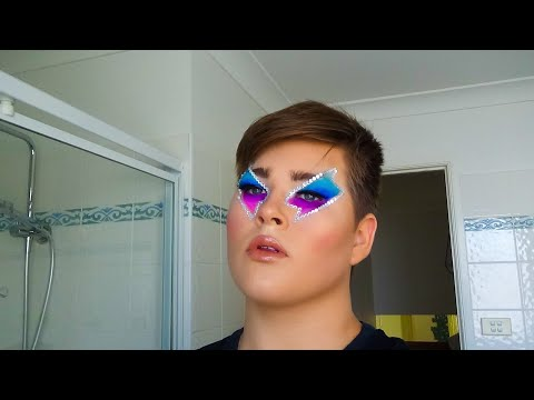 Blue to Pink Lightning (Makeup Tutorial) thumbnail