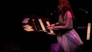 Tori Amos - Hartford-04-10-05 =11= Mrs.Jesus