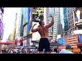 BODYBUILDER WALKING IN NEW YORK