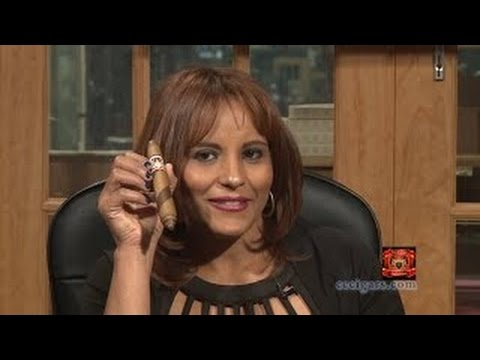 Cigar Time TV Show 66 reviews the Amos de Santiago Triple Wrap with Consuelo