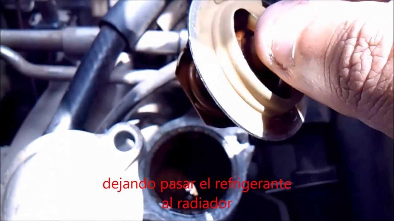 Cambio de termostato automotriz - YouTube