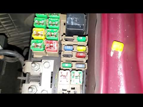 2005 Ford Escape Radio, Power Outlet & Cigarette Lighter Fuse Location