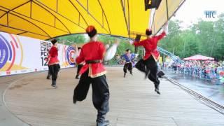 Танцы казаков в Центральном парке
