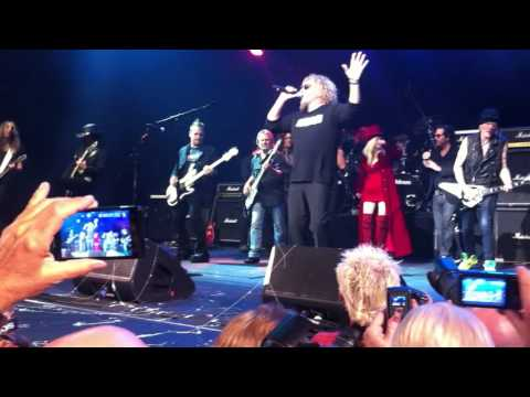 Sammy Hagar & Friends in Vegas - There's Only One Way to Rock
