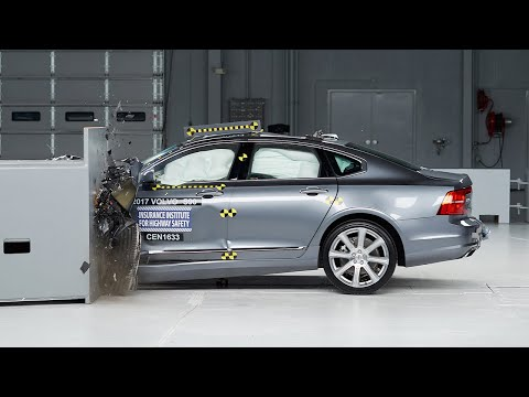 2017 Volvo S90 driver-side small overlap IIHS crash test