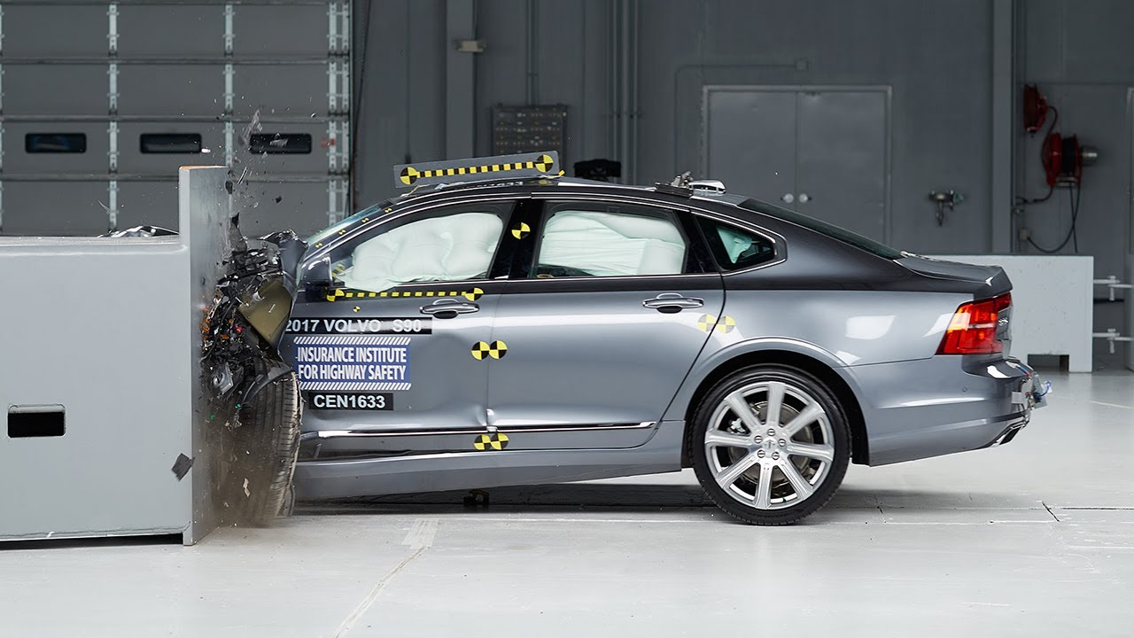 2017 Volvo S90 driver-side small overlap IIHS crash test - YouTube