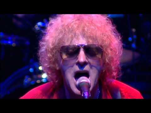 Ian Hunter - Irene Wilde (Taken from the DVD 'All The Young Dudes')