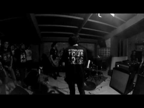 Deadly Weapon - Live At Earth Cafe 2016 [Full Set]