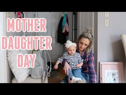 REAL LIFE GILMORE GIRLS| DAY IN THE LIFE OF A MOM & DAUGHTER DUO| Tres Chic Mama