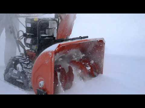 Снегоуборщик бензиновый Husqvarna ST 268 EPT