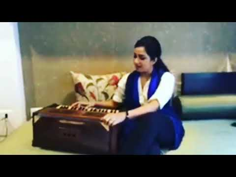 Shreya Ghoshal Live at Home || Lag ja gale || Bollywood ||
