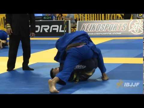 Marcio Andre vs Isaac Doederlein - Worlds 2014 Finals Brown Feather