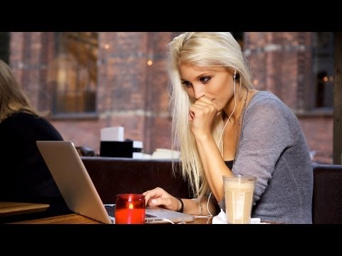 How To Flirt Online | Flirting Lessons