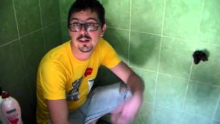 How to do a Poo in Indonesia (Using a squat toilet) - Cara BAB di WC Indonesia