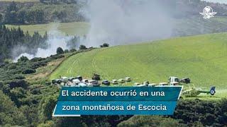 Según imágenes de BBC, se desprendían columnas de humo del lugar del accidente, en una zona montañosa, donde llegaron varios vehículos de rescate y un helicóptero