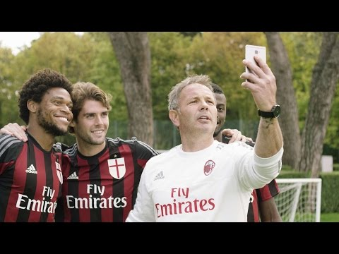 Huawei Mate S at Milanello | AC Milan Official