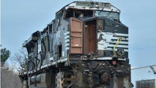 HD: Wrecked Unit NS ES44AC #8132
