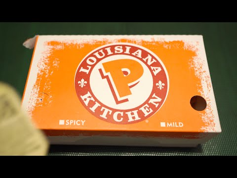 Popeyes Louisiana Fried Chicken - Cajun Surf & Turf Combo - Tenders & Shrimp (4K UHD Macro ASMR)