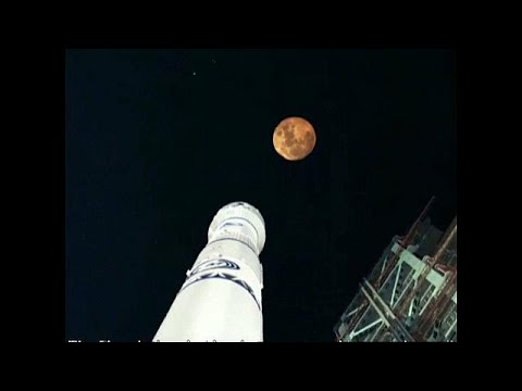 China flies to the moon
