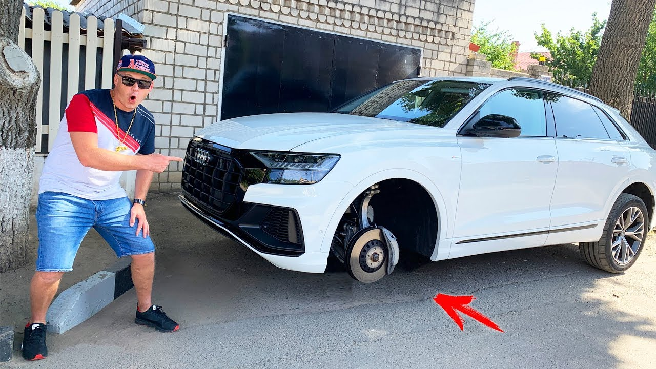 The wheel fell off on Audi Q8 - Dima ride on power wheels tractor