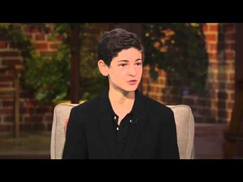 David Mazouz faces the rise of the villains in 'Gotham'