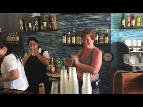 Villa Jibacoa (camelepon  tropico )  Applying for manager job front lobby bar