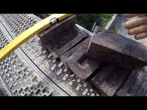 Ручная формовка дыркой вверх или в низ.