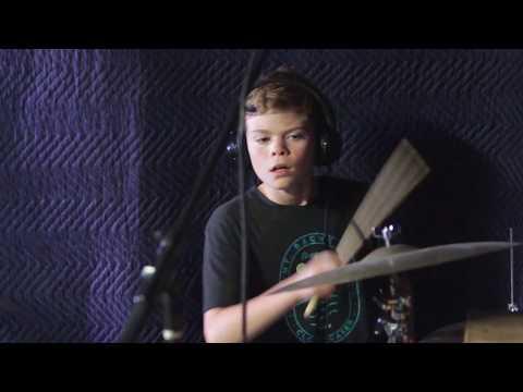 Jackson performs Kashmir at JWP 08 Studios